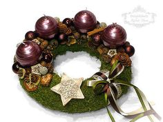 Adventi koszorú ötletek és adventi dísz ötletek Ornament Wreath, Ornaments, Christmas Wreaths, Xmas, Advent, Holiday Decor, Home Decor, Decoration Home, Room Decor
