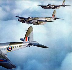 RAF de Havilland Mosquito's in flying formation. Ww2 Aircraft, Military Aircraft, Military Weapons, De Havilland Mosquito, Ww2 Planes, Royal Air Force, Aviation Art, Wwii, Fighter Jets