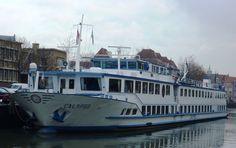 De Calypso (1978) vaart voor de Feenstra Rijn Lijn en heeft hier als thuishaven Maassluis. Al verschillende keren bezocht tijdens een open dag.