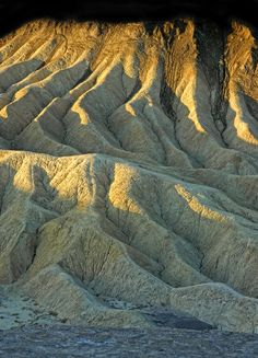 ✮ Rock Formations at Death Valley