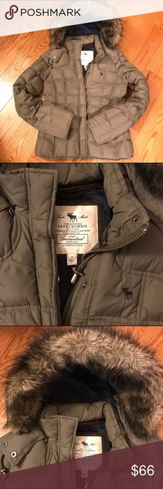 Abercrombie & Fitch Quilted Parka - Small Abercrombie & Fitch quilted parka with removable fur hood. Olive green, size Small. Excellent condition. Smoke & pet free home. Bundle for savings! Abercrombie & Fitch Jackets & Coats Puffers