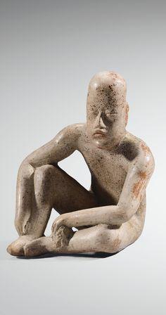 STATUETTE ANTHROPOMORPHE, HOMME ASSIS  CULTURE OLMÈQUE  MEXIQUE  PRÉCLASSIQUE,900-600 AV. J.-C.  OLMEC SEATED FIGURE, MEXICO