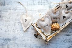 Just to make the last day of the week even greater here's top 10 French wedding favours you can find on Etsy. We loved creating this post for you and we can't wait for you check out our top finds! Wine Cork Wedding, Wedding Favour Jars, Our Wedding, Effects Of Green Tea, French Wedding Style, Seed Paper, Soap Favors, Paper Hearts, Personalized Wedding Gifts