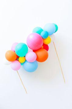 DIY Balloon Garland Cake Topper and Tips for Painting Frosting Schritt 7 -DIY Ballon Garland C Diy Balloon, Balloon Cake, Balloon Garland, Balloon Painting, Balloon Party, Mini Balloons, Birthday Balloons, Birthday Garland, Diy Cake Topper