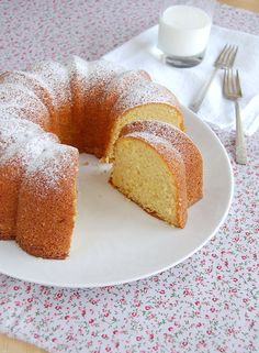 Orange almond cake / Bolo de amêndoa e laranja by Patricia Scarpin, via Flickr