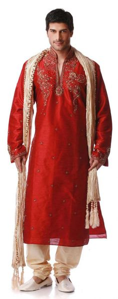 Sherwani Indian wedding dresses for men is not alone; Are you interested to wear Sherwani Indian wedding dresses for men for your wedding? Groom Wear, Groom Outfit, Red Kurta, Indian Dresses Online, Wedding Sherwani, Indian Men Fashion, Men's Fashion, Traditional Indian Wedding, Indian Groom