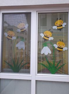 Learn how to make easy and fun Spring crafts for kids - all you need are a few supplies you can buy at your local dollar store Classroom Window Decorations, School Decorations, Spring Crafts For Kids, Diy For Kids, Christmas Classroom Door, Preschool Decor, Diy And Crafts, Paper Crafts, Class Decoration
