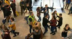 Megőrül az internet népe a debreceni flashmobért! Internet