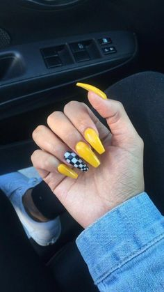 39 Most Trendy Yellow Nail Design You Will Love Nail Art Yellow Nails Design Nai Acrylic Nails Natural, Cute Acrylic Nails, Acrylic Nail Designs, Fun Nails, Gradient Nails, Holographic Nails, Prom Nails, Stiletto Nails, Natural Nails