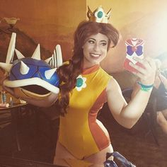 Pin for Later: 70 Badass Costumes For Women Based on Fandoms Princess Daisy From Mario Kart Creative Halloween Costumes, Diy Costumes, Cosplay Costumes, Awesome Costumes, Halloween Inspo, Cosplay Ideas, Costume Ideas, Princess Daisy Costume, Zombie Princess