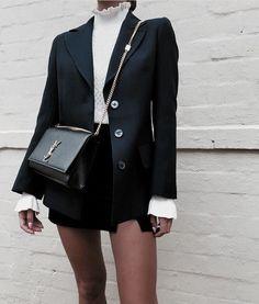 "Vogue # ""Via # @ yuliabertman minimalstyle minimaliststyle minimalfashion minimalistfashion # Black Women Fashion, Look Fashion, Womens Fashion, High Fashion, Street Fashion, Fall Fashion, Latest Fashion, Luxury Fashion, Mode Outfits"