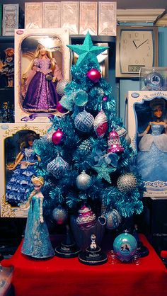 109 best frozen christmas decor party ideas images on pinterest frozen birthday diy christmas decorations and frozen party - Elsa Christmas Decoration