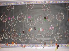 Create and study dream catchers when studying circles 4th Grade Social Studies, Teaching Social Studies, Teaching Art, Teaching Ideas, Native American Lessons, Native American Art, Dream Catcher For Kids, Thanksgiving Bulletin Boards, Schoolhouse Rock
