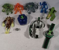 Large lot of CARTOON NETWORK BEN 10 tenison ultimate alien USED figures toys B