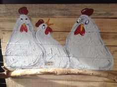 Kunst op hout, kippen! Chicken And Cow, Chicken Art, Rooster Painting, Painting On Wood, Farmhouse Paintings, Garden Deco, Chickens And Roosters, Painted Boards, Pottery Designs