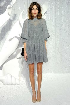 Alexa Chung -grey dress