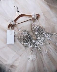 V Neck Prom Dresses, Cute Prom Dresses, Ball Dresses, Pretty Dresses, Bridal Dresses, Beautiful Dresses, Ball Gowns, Dress Prom, Bridal Gown