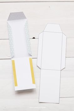 I rather like this one as it eliminates the bottom tab Diy Envelope, Envelope Design, Paper Crafts Origami, Diy Paper, Paper Gifts, Diy Gift Box, Diy Gifts, Diy Box, Eid Cards