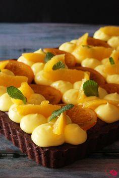 Crostata frangipane al cioccolato con arance caramellate