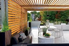 Amazing Modern Pergola Patio Ideas for Minimalist House. Many good homes of classical, modern, and minimalist designs add a modern pergola patio or canopy to beautify the home. Terrasse Design, Gazebos, Arbors, Outdoor Rooms, Outdoor Decor, Outdoor Sheds, Outdoor Furniture, Design Exterior, Shade Structure