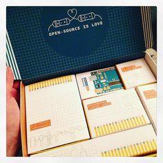 Ils soignent leur packaging chez Arduino #arduino #genuino by khymerian