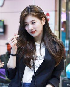 Cute k dram actress bae suzy😍😍😘😘😘 Bae Suzy, Cute Korean Girl, Asian Girl, Korean Beauty, Asian Beauty, Korean Celebrities, Celebs, Miss A Suzy, Korean Actresses