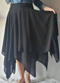 Sono felice di condividere l'ultimo arrivato nel mio negozio #etsy: Gonna nera asimmetrica due strati chiffon,gonna ampia,,maxi volume asimmetrico,gonna boho,pannello asimmetrico,gonna taglio moderno nero http://etsy.me/2n96m1Q #abbigliamento #donna #gonne #gonnasporti