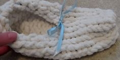 Here is another loom knitting project you can use as either a winter knitting project or a summer loom knitting project. Slippers can be used year round and this video uploaded under the name sophi…