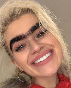Straight Eyebrows, Bad Eyebrows, Bushy Eyebrows, Thick Eyebrows, Instagram Eyebrows, Eyebrow Styles, Human Oddities, Natural Makeup For Brown Eyes, Hooded Eye Makeup