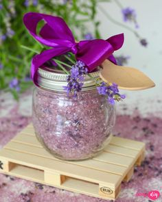 Day Makeup, Techno, Diy And Crafts, Glass Vase, Lavender, Projects To Try, Soap, Cosmetics, Fun