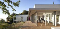 Elegant-Pianos-in-Wonderful-Homes-6.jpg 600×295 pixels