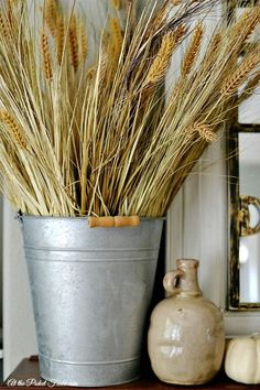 A Harvest of Ideas for Decorating Your Home for Fall! Wheat Decorations, Harvest Decorations, Seasonal Decor, Porch Decorating, Decorating Your Home, Decorating Ideas, Pumkin Decoration, Diy Fashion Hacks, Autumn Interior