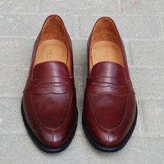 Men Dress, Dress Shoes, Oxford Shoes, Loafers, Facebook, Fashion, Zapatos, Travel Shoes, Moda