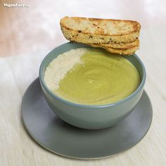 Creamy Zucchini Soup - VeganEasy.org