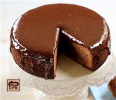 Bizcocho y cobertura de Chocolate con leche