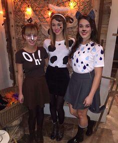#sadiesunday OH DEER & HOLY COW !!! gotta love sadie&kellys costumes !!!