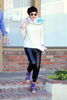 Gwen Stefani Takes a Stroll