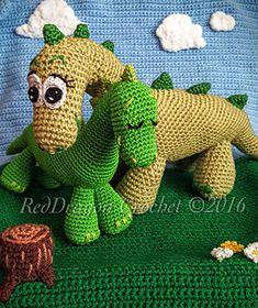Mama & Baby Dinosaurs - free crochet pattern by Maria Taylor.