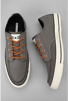#Converse Chuck Taylor Classic Boot Low Sneaker