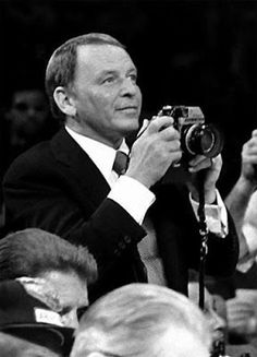 Atomic Vision: Photography Cinema Visual Arts: Celebrities And Their Cameras - 2