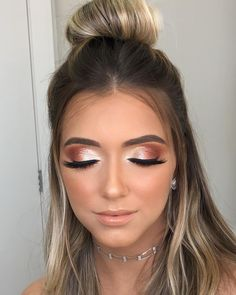 Hochzeits Make-up - Makeup Tips Highlighting Makeup Looks For Brown Eyes, Prom Makeup Looks, Natural Makeup Looks, Cute Makeup, Glam Makeup, Gorgeous Makeup, Makeup Tips, Hair Makeup, Makeup Ideas
