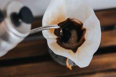 Free Fresh Morning Coffee In The Chemex Filter Photo Coffee Is Life, Coffee Type, Drip Coffee, Coffee Shop, Coffee Break, Sunday Coffee, Coffee Enema, Coffee Latte, Fresh Coffee