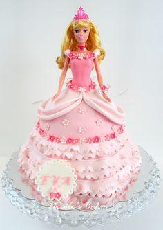 Confections, Cakes & Creations!: Gorgeous Princess Aurora Cake!