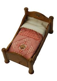 Sleep Tight: Doll Quilts and Beds Contest