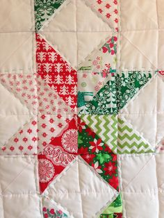 The Ramblings of a fairy.......christmas HST half square triangle quilt