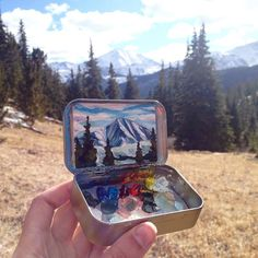 Heidi Annalise. Tiny oil paintings inside Altoid tins.