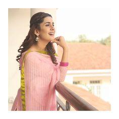 Desi Girl Image, Girls Image, Pakistani Girl, Pakistani Actress, Bollywood Masala, Girl Trends, Celebs, Celebrities, Beautiful Models