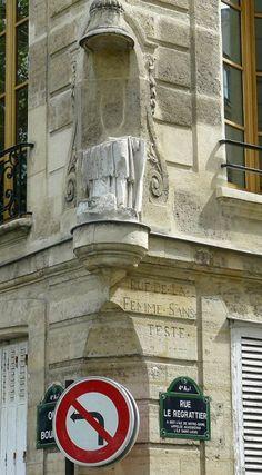 """rue Le Regrattier - quai Bourbon. """"Rue de la femme sans tete"""""""