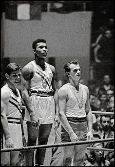58 Years Ago - Cassius Clay – 18 Year Old Muhammad Ali Wins Rome Olympics 1960 Mohamed Ali, Magnum Photos, Muhammad Ali Boxing, Paris Tour, Boxing History, Vintage Black Glamour, Boxing Champions, Black History Facts, Iconic Photos