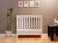 Relaxed Sleeping Setting on your Child : Alma City Cot Cool Girl Rooms, Crib Toys, Box Bed, Mini Crib, Nursery Furniture, Nursery Inspiration, Baby Design, Baby Shop, Madeira